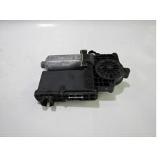 MOTOR ELECTRIC MACARA GEAM 0130821617